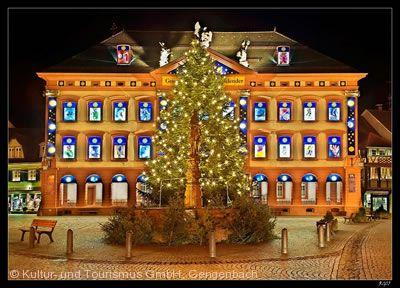 Größtes Adventskalenderhaus der Welt und Adventsmarkt Gengenbach