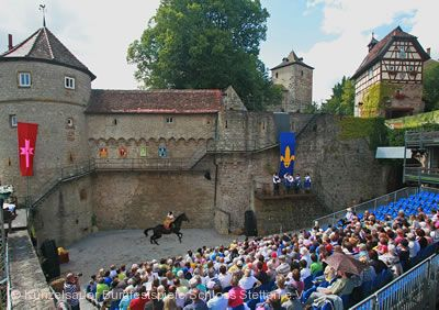 """Künzelsauer Burgfestspiele - """"Der Postraub von Mäusdorf"""""""