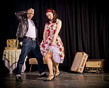 "KulturMomente - Moni Francis & Buddy Olly ""Die Petticoat- & Pomade-Show"" Bad Urach"