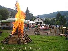 Traditionelles Lagerfeuer Todtmoos