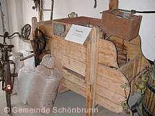 Historisches Dreschfest Schwanheim Schönbrunn