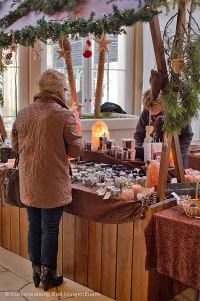 Weihnachtsmarkt in der und um die Wandelhalle Bad Mergentheim