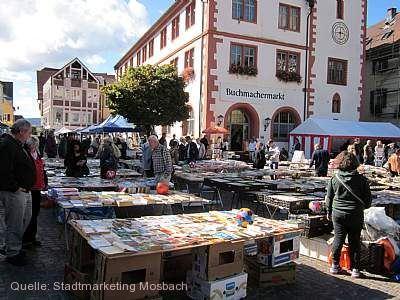 Buchmachermarkt mit Bücherflohmarkt am Sonntag Mosbach