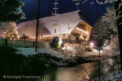 "Krippenausstellung ""Weihnachtsbäume und Weihnachtsträume"" Zell am Harmersbach"