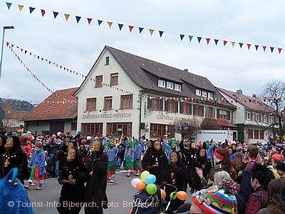 Fasnachtssamstag mit Narrendorf Biberach