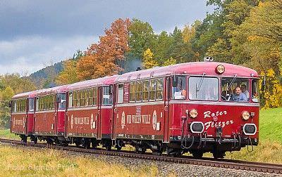 Fahrt mit dem historischen Schienenbus ROTER FLITZER nach Sersheim und Kabarett mit Weber & James Böblingen