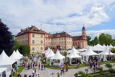 """Gräfliches Inselfest - Der Gartenmarkt rund ums """"Bummeln, Einkaufen und Genießen"""" Insel Mainau"""