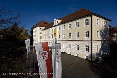 """""""Ziemlich gute Freunde. Mit Schwert, Charme und Esprit. Frankreich und der deutsche Südwesten"""" Bad Schussenried"""