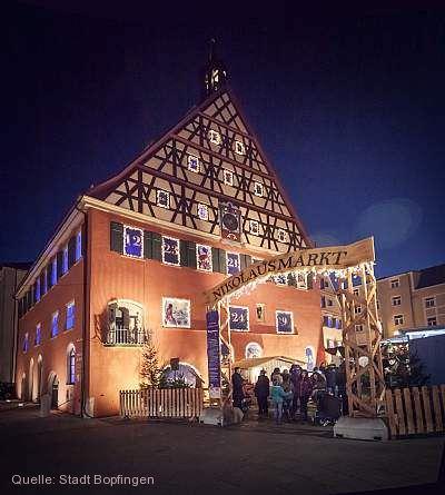 Kunstvolle Weihnacht - Der XXL Kalender am alten Bopfinger Rathaus Bopfingen