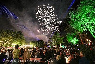 Großes Lichterfest im Enzauenpark Pforzheim