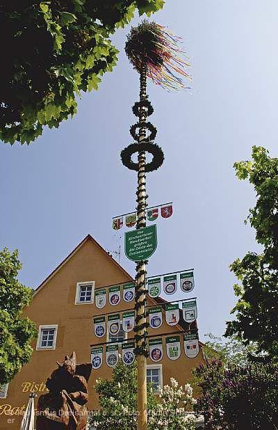 Maibaumstellen Kirchzarten
