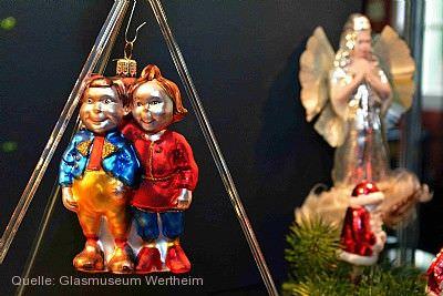 Historischer und moderner Christbaumschmuck aus Glas Wertheim