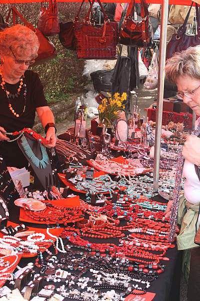 Traditioneller Ostermontagsmarkt Neubulach