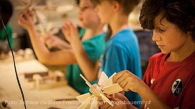 Sommerferienprogramm im Freilichtmuseum Vogtsbauernhof Gutach (Schwarzwaldbahn)