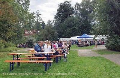 Straßenfest mit Bauern- und Kunsthandwerkermarkt Waldachtal