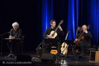 """Udo Wachtveitl & Gitarrenduo Gruber & Maklar - """"Eine Geschichte der Welt in 9 Gitarren"""" Eislingen/Fils"""