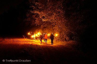 Der Wald bei Nacht: Fackel- und Nachtwanderung Tübingen